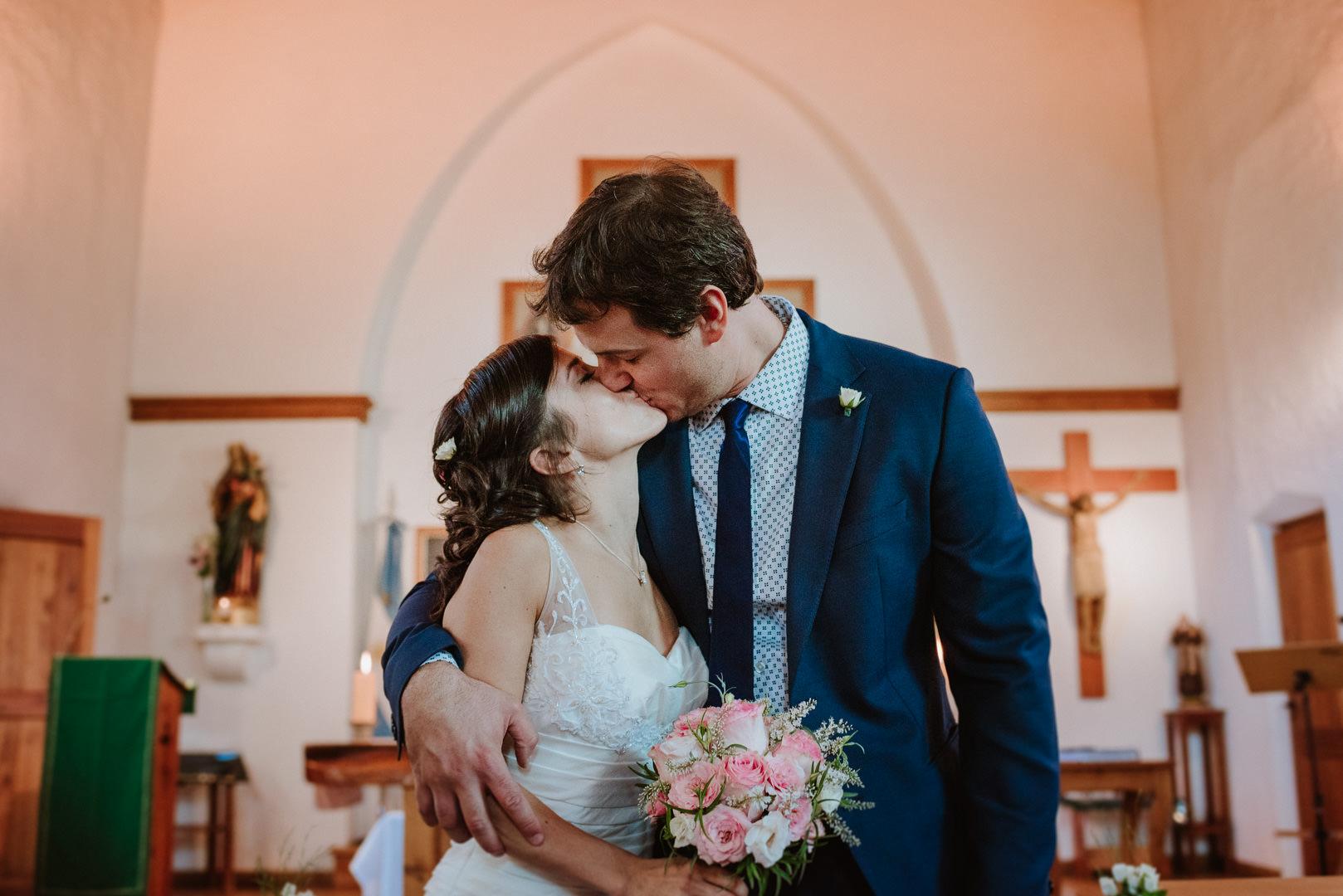 fotos boda en capilla san eduardo Bariloche
