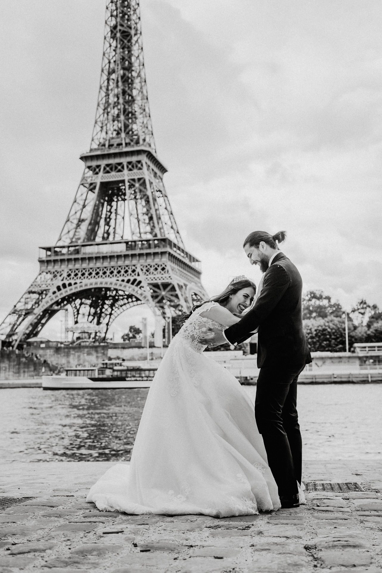 Eiffel tower wedding proposal photo shoot