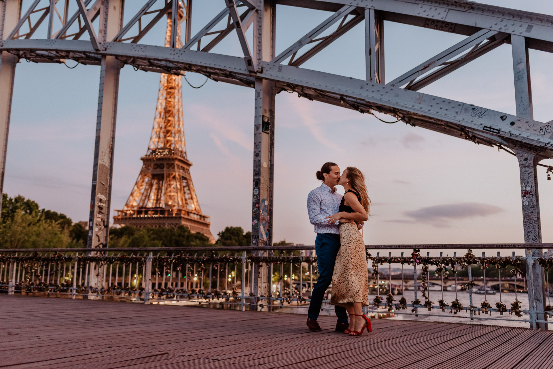 Paris wedding proposal eiffel tower photographer